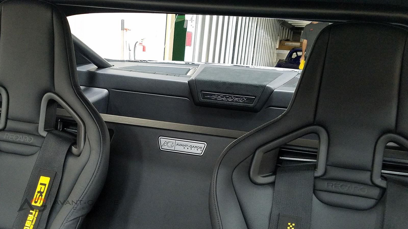 interior-custom-badge