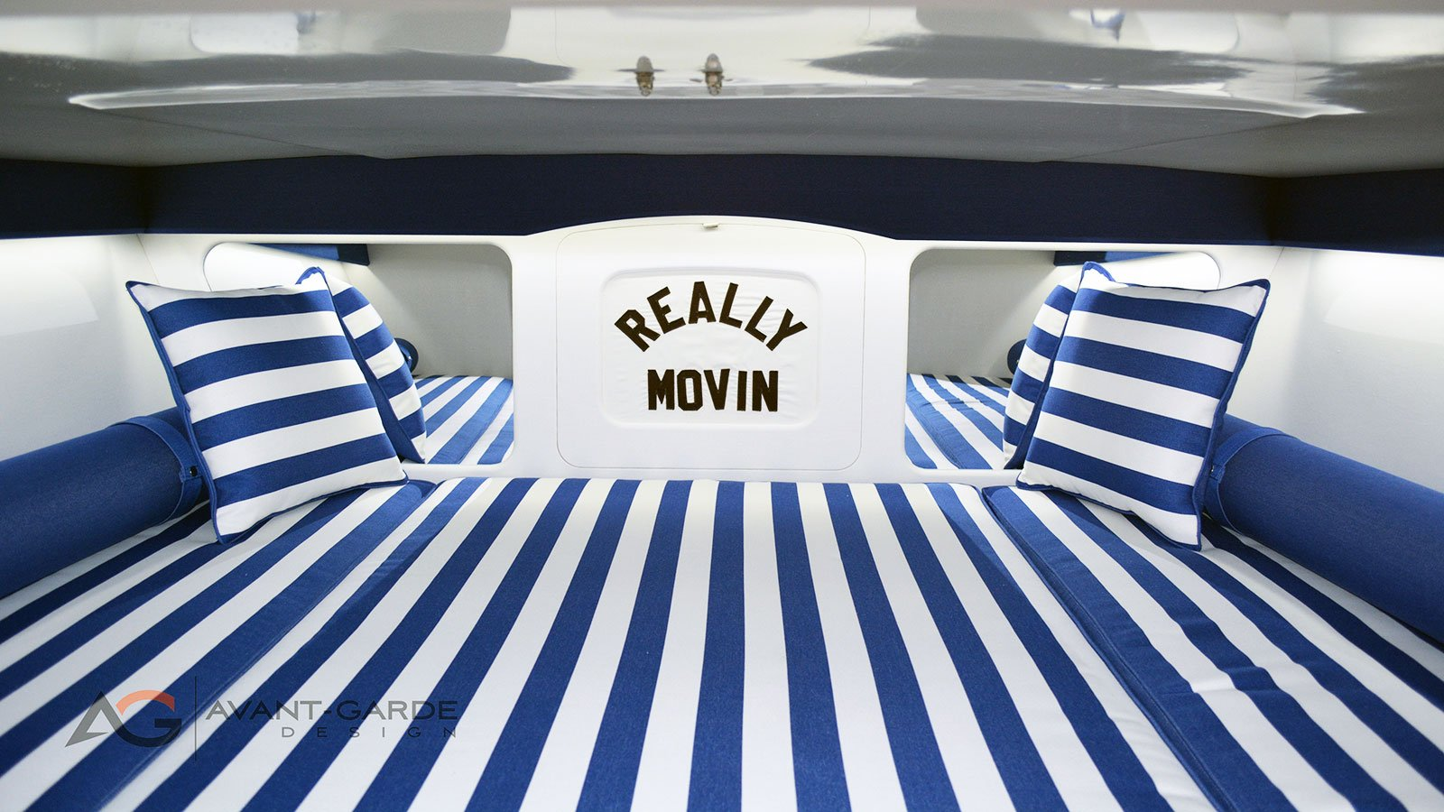 interior-custom-boat-cabin