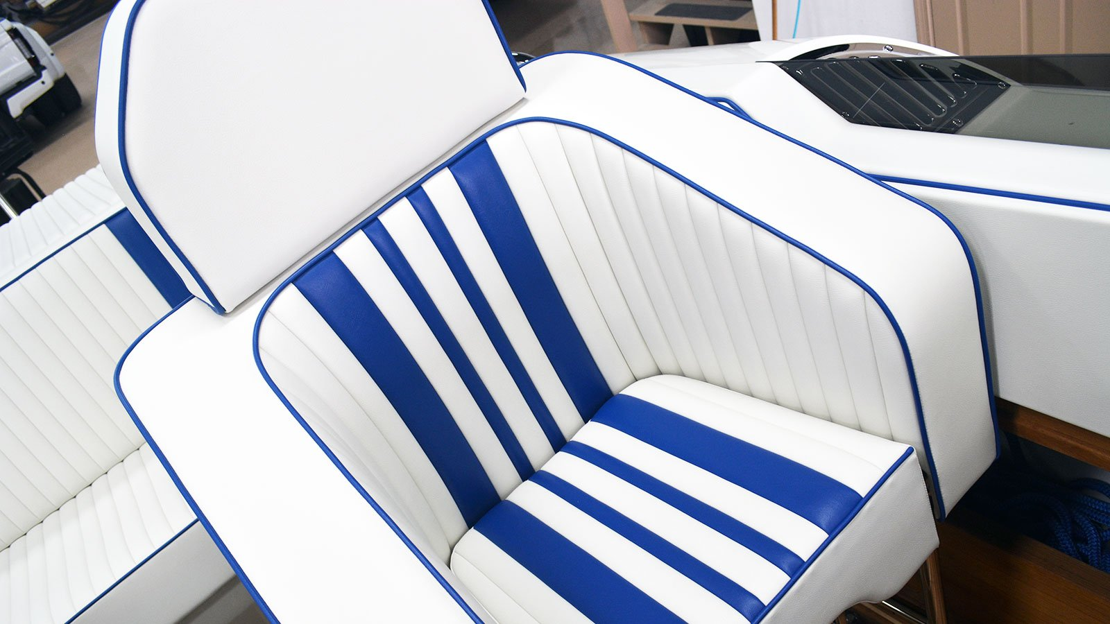 interior-custom-boat-seats