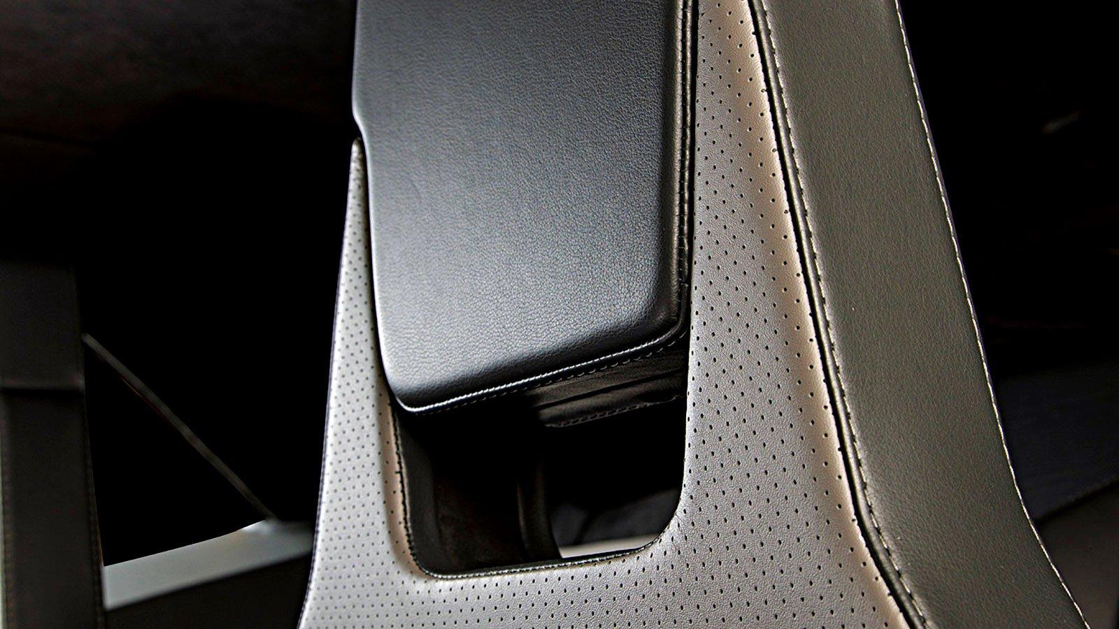 interior-custom-leather