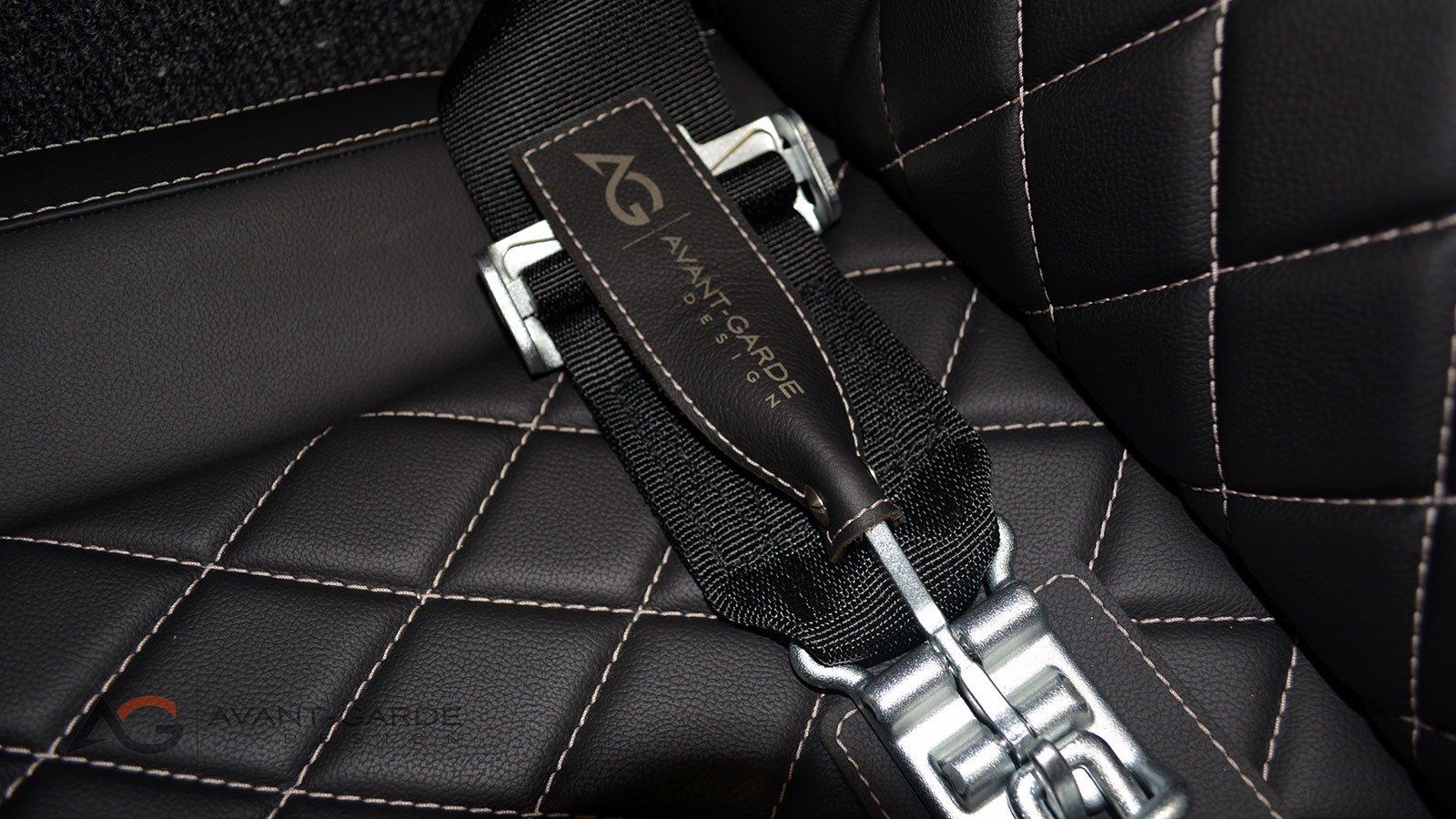 interior-custom-seat-belts