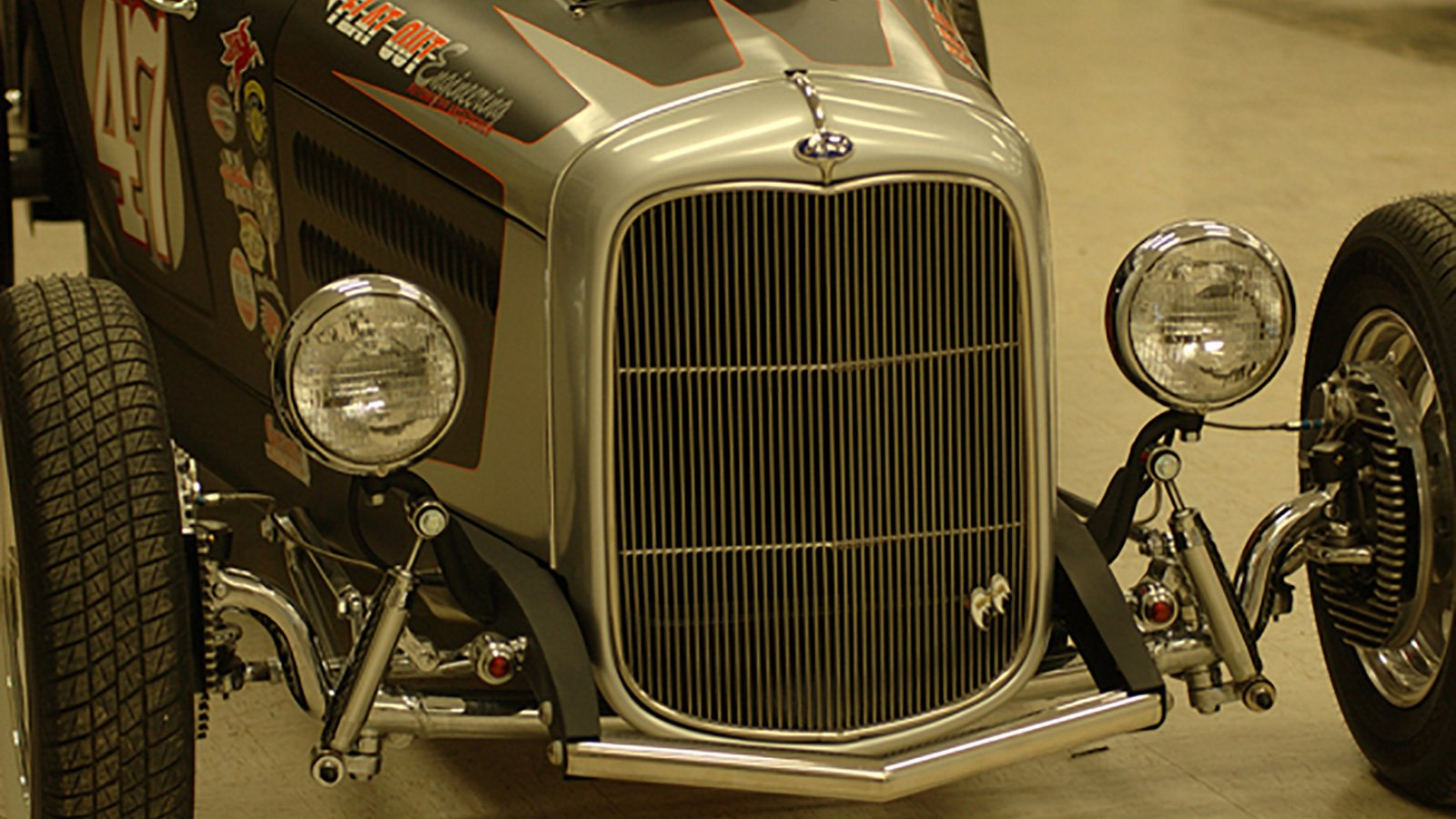 23-Ford-Roadster-grill