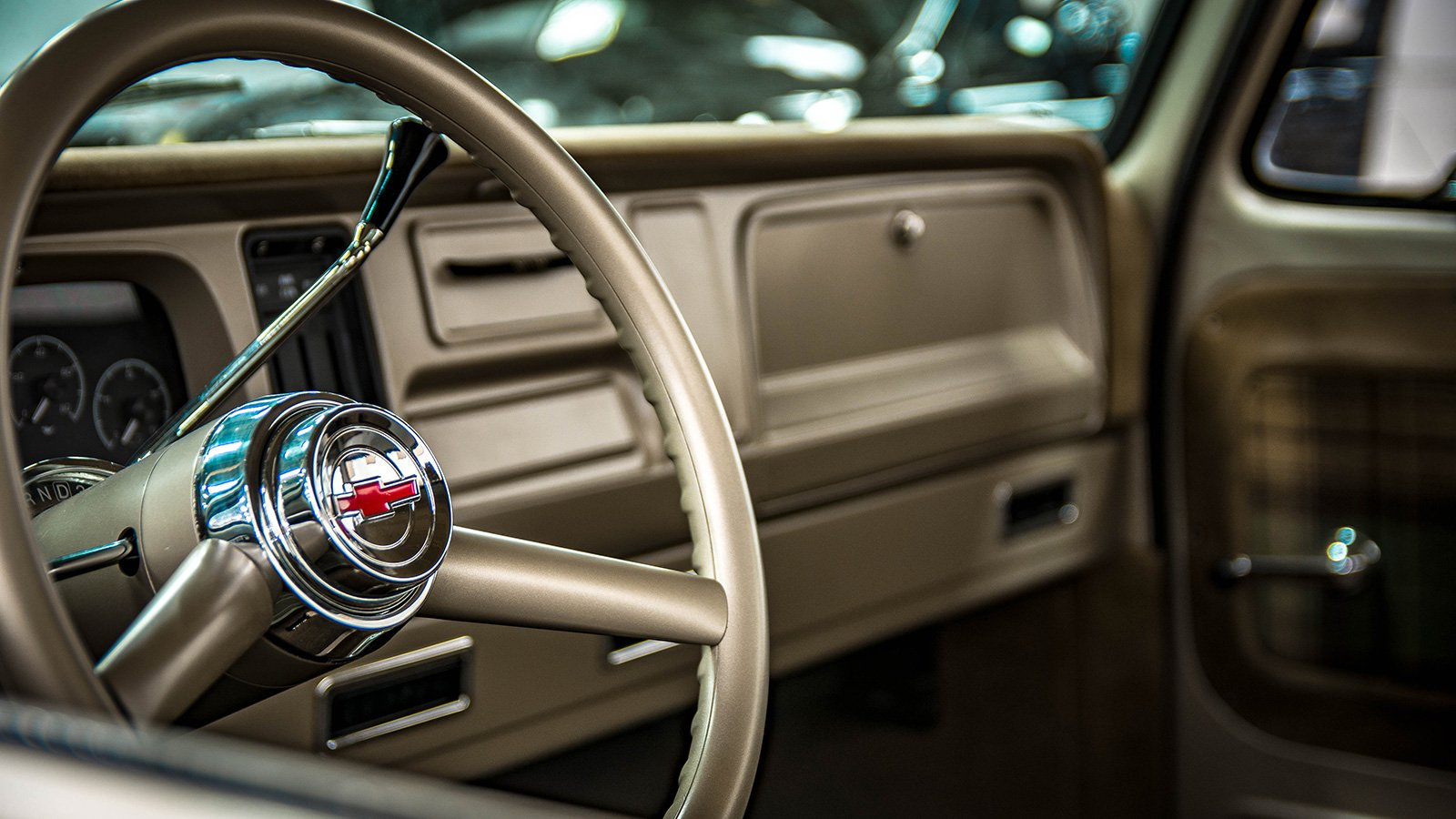 65-C10-truck-custom-steering-wheel