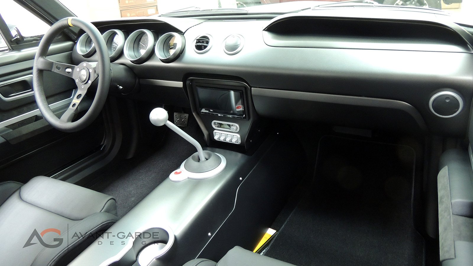 65-mustang-vapor-custom-dashboard