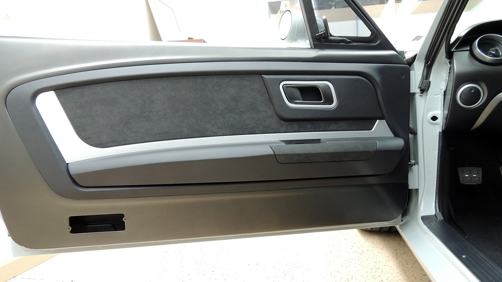 65-mustang-vapor-custom-driver-door