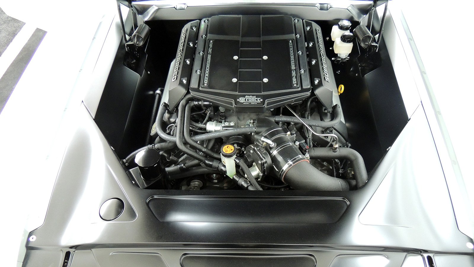 65-mustang-vapor-engine-top